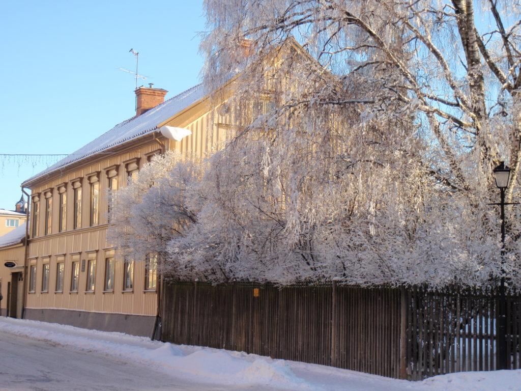 bild på Westerlundska gården under vintern